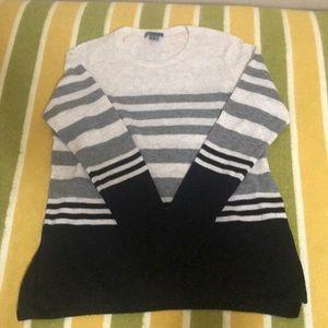 VINCE Cashmere Crew Sweater (L)
